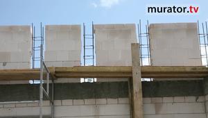 Budowa z silikatów - ścianka kolankowa