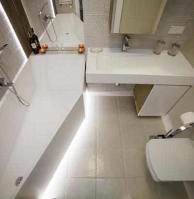 Mała łazienka w luksusowej kawalerce od Luxum