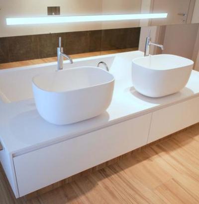 Wyposażenie Łazienek - wanna z umywalkami i szafką