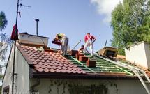 Remont dachu. Jak odnowić dach skośny, a jak dach płaski?