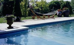DOM Z BASENEM - budowa basenu ogrodowego i koszty z nią związane