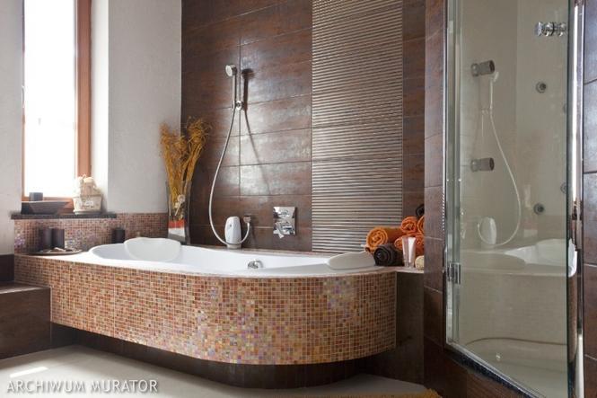 Aranżacja łazienki z wanną i prysznicem