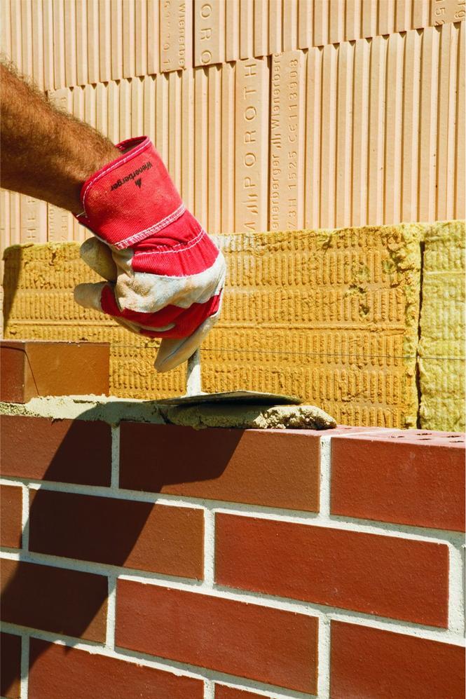 Murowanie ściany trójwarstwowej