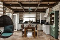 Jak urządzić mieszkanie w stylu rustykalnym: wybieramy materiały, kolory i dodatki