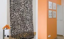 Kolory we wnętrzu: kolor pomarańczowy na ścianie i w dodatkach (GALERIA ZDJĘĆ)