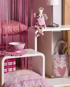 Urządzamy pokój dla dziewczynki - bardzo dziewczęca aranżacja wnętrza