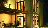 Jak montować okna antywłamaniowe? Jakie wymagania muszą spełniać okna, aby chronić dom przed włamaniem?